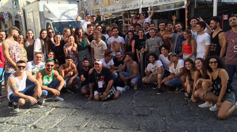big sale f6a86 c11b9 Napoli. Sfilata D&G, Alfredo Ruffo art director dance per la ...