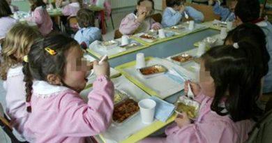 Carinaro. Plastica free nelle mense scolastiche