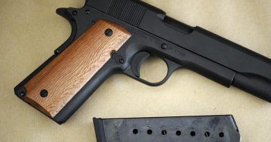 Secondigliano. Polizia arresta un 26enne in possesso di arma clandestina