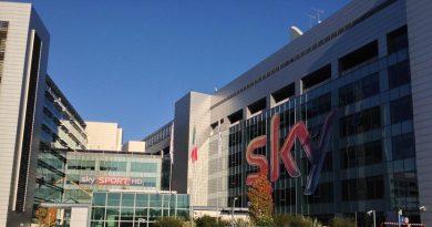 Partite sospese per il Covid, Sky non rimborsa i mesi di abbonamento: multa dall'Antitrust