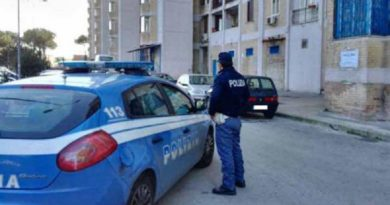 (FOTO) Secondigliano. Polizia rinviene un fucile a canne mozze