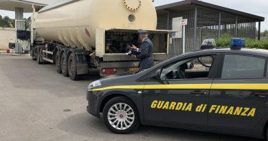Contrabbando gasolio Est Europa, arresti