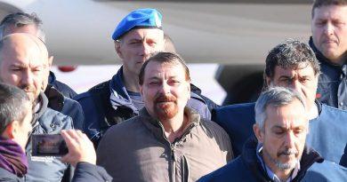 (VIDEO/FOTO) Cesare Battisti rientra in Italia