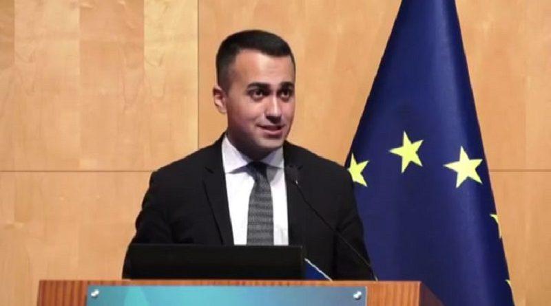 (VIDEO) Europee, Di Maio lancia il manifesto M5S