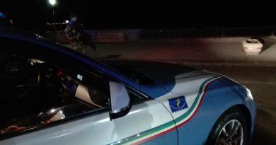 (FOTO) Napoli. Controlli della Polizia nel quartiere Chiaia