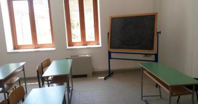 Scuole in Campania, didattica in presenza per infanzia e prime classi primaria