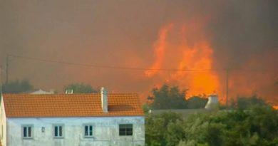 (VIDEO) Portogallo spaccato in due dagli incendi