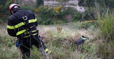 Tragedia sulla Telesina, neonato lanciato in un fossato