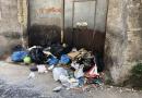 (FOTO) Aversa. Segnalazione cittadino: rifiuti in via Santa Marta
