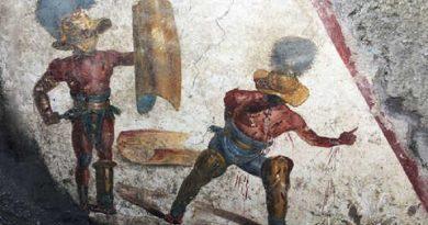 """(VIDEO) Pompei. Affresco gladiatori combattenti, Franceschini: """"Nuova eccezionale scoperta dagli scavi della Regio V"""""""