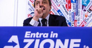 (VIDEO) 'Contro populisti e sovranisti': Carlo Calenda lancia Azione