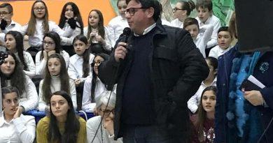 Lusciano. Riapertura scuola media Foscolo: l'annuncio del sindaco Esposito