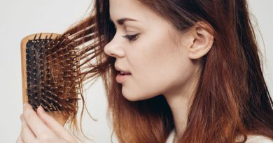Perdita dei capelli: 5 frequenti cause nelle donne