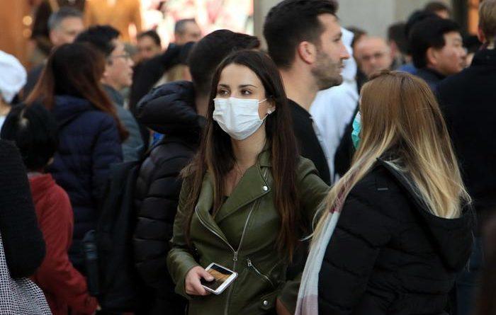 Covid in Campania, torna obbligo mascherine all'aperto: c'è ordinanza di De Luca
