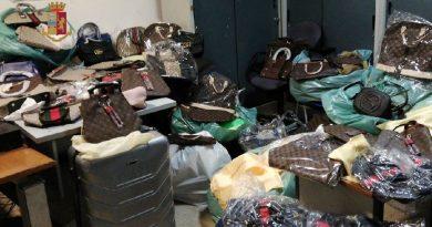 Forcella. Ricettazione di borse contraffatte: denunciato