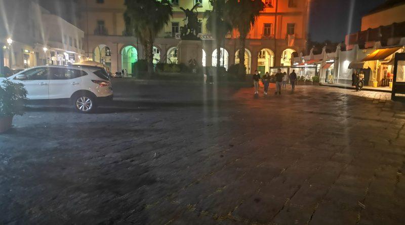 """Aversa. Piazza Municipio vuota, la provocazione dell'ACCV: """"Grazie Sindaco…"""""""