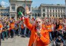(VIDEO) Milano. Il Generale Pappalardo e i Gilet Arancioni conquistano Piazza Duomo