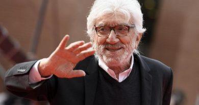 Addio al mattatore Proietti, 50 anni di teatro e cinema