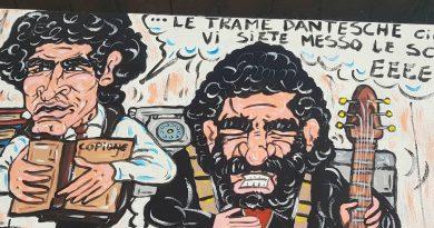 (FOTO) 'Buon compleanno Massimo Troisi!' San Giorgio a Cremano gli dedica opere di arte urbana con 10 panchine dipinte