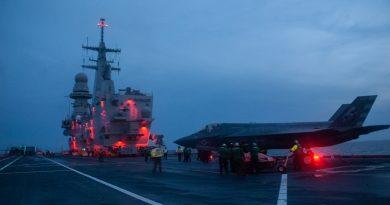 Marina Militare, iniziate prove in mare per certificazione portaerei Cavour all'impiego degli F-35B