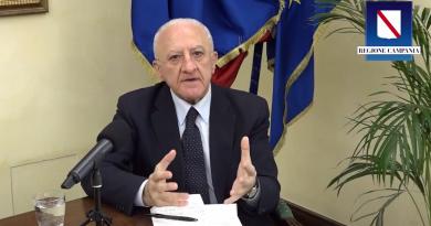 "(VIDEO) Covid, De Luca: ""Campania manterrà obbligo mascherina all'esterno"""
